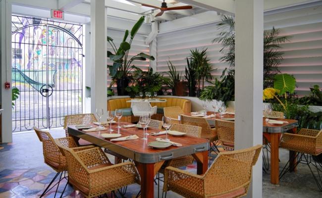 RedRooster-decoretro-miami-restaurant