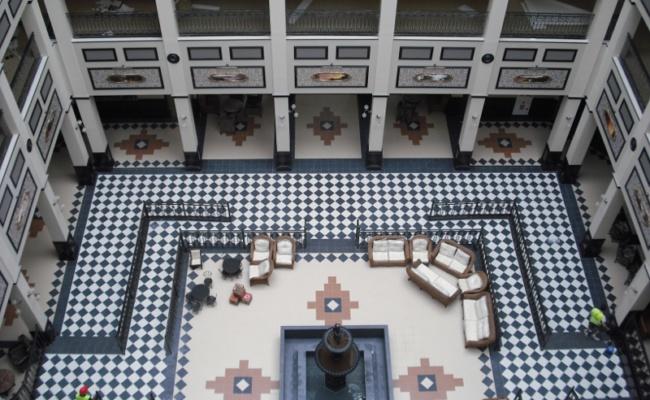 DECORETRO decoración tematica parque de ocio tematico Port Aventura en Salou, Barcelona, España, Hall del hotel foto 1