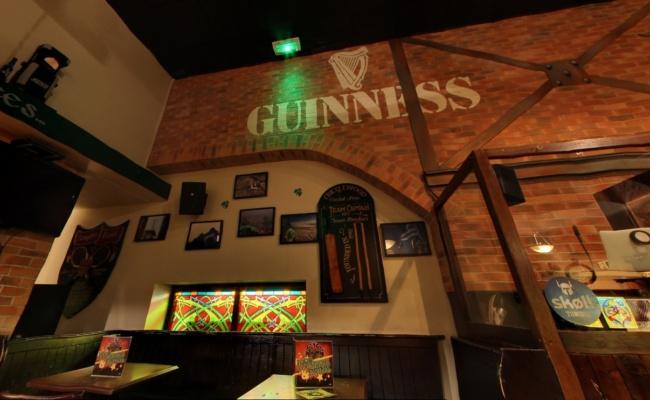IRISH-PUB-BOSTON-CAFE-DECORETRO
