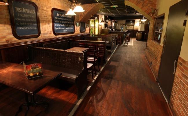 irish-pub-nightclub- BOSTON-CAFE